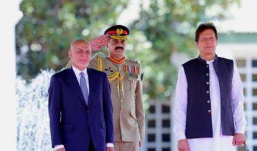 اشرف غنی در پاکستان با عمران خان دیدار کرد