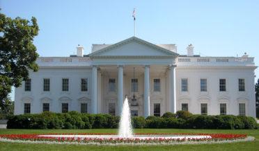دنیاکے طاقتور ترین صد رکی رہائش گاہ پر اچانک یہ کیاہو گیا ؟ مشعل اوباما منہ تکتی رہ گئیں 6