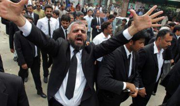مقدمات کے فیصلوں میں تاخیر کے اسباب:محمد مشتاق 3