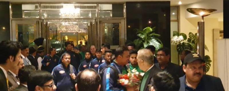 بنگلہ دیشی کرکٹ ٹیم تین ٹی ٹوئنٹی میچز سیریز کے لیے بنگلہ دیشی ایئر لائن کے ذریعے صوبائی دارالحکومت لاہور پہنچ گئی۔