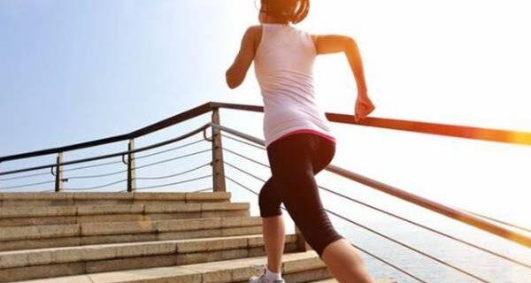 ورزش کرتی خاتون
